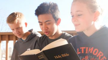 The 43 juniors in Joe Martin's Bible class are creating personalized Bible lessons while studying our 28 Fundamental Beliefs. Photo by Baldomero Plata.