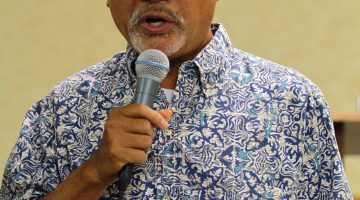 VicLouis Arreola III, director of the North American Division Asian/Pacific Ministries, challenges members to plant more Indonesian churches. Photo: Bary Manembu